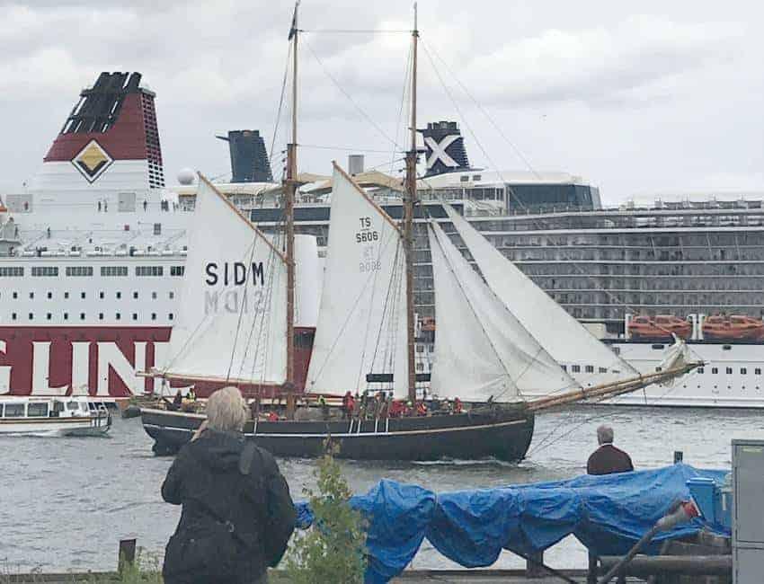 Kvällsturer i Stockholm med Segelfartyget Ellen